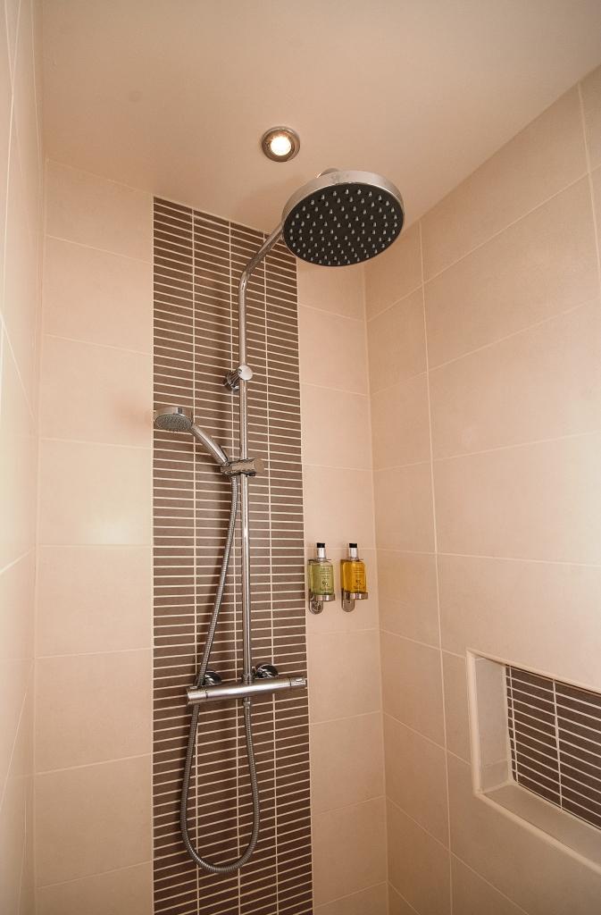 Storm Shower in Bedroom 6